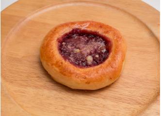 Moravský malinovo-jahodový koláč 100g